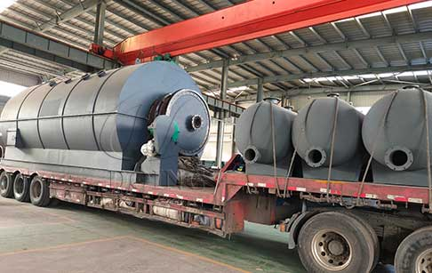 One set of 12T waste plastic to fuel oil plant was shipped to India